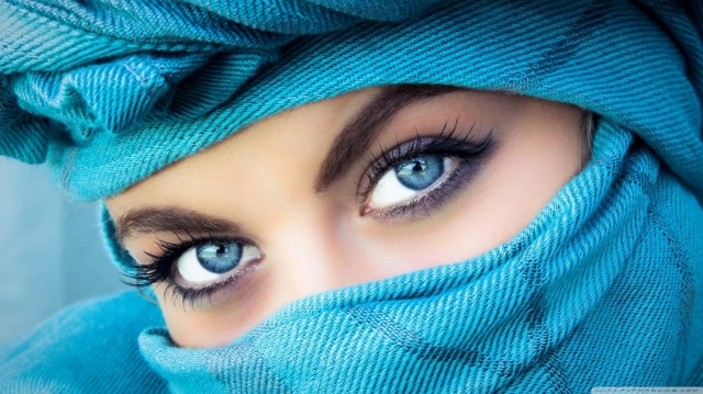 blue_eyes___blue_eyes___-wallpaper-1366x768
