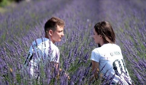 couple-1521404_960_720